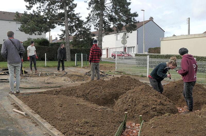 YA+K - yaplusk -Avranches - transformation de bacs à sable en espaces de jardinage partagé (5)