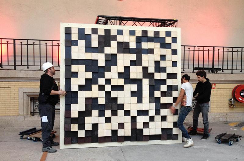 YA+K - yaplusk - montage du QR-code au Grand Palais