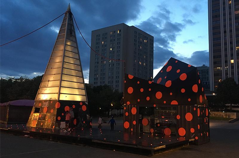 YA+K - yaplusk - place des fêtes - la capla la nuit